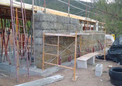 Muro de bloques de paja